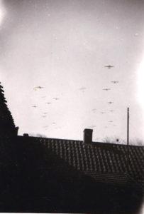 Engelse Gliders boven budel 17 sept 1944
